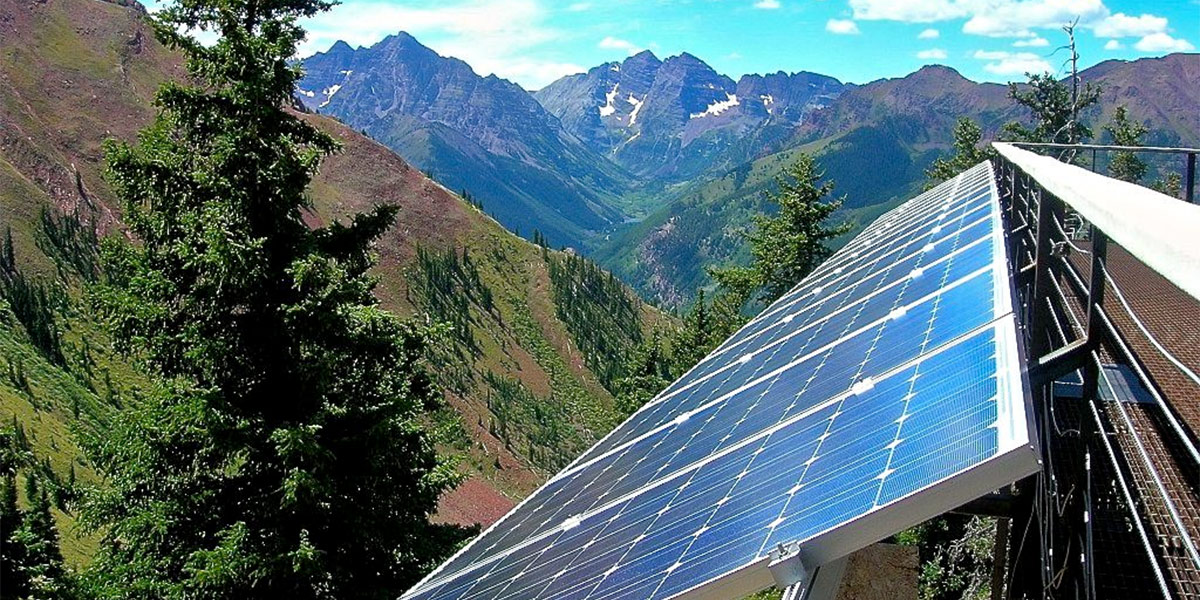 Governor Senators Honored For Solar Industry Advocacy
